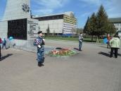 Алтайский край, Новоалтайск , почётный караул у обелиска воинам Великой Отечественной войне.